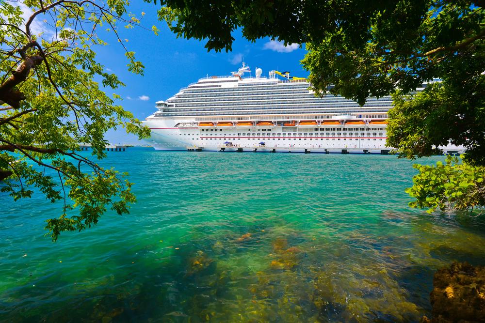 Luxus hajóút egy óceánjáró fedélzetén