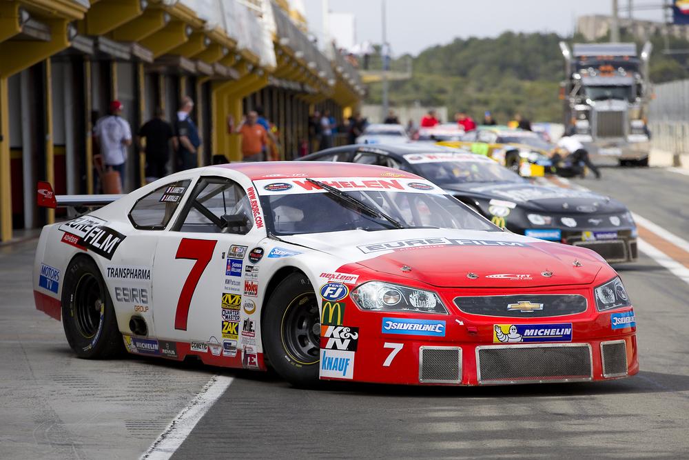 A tökéletes NASCAR autó vezetési élmény